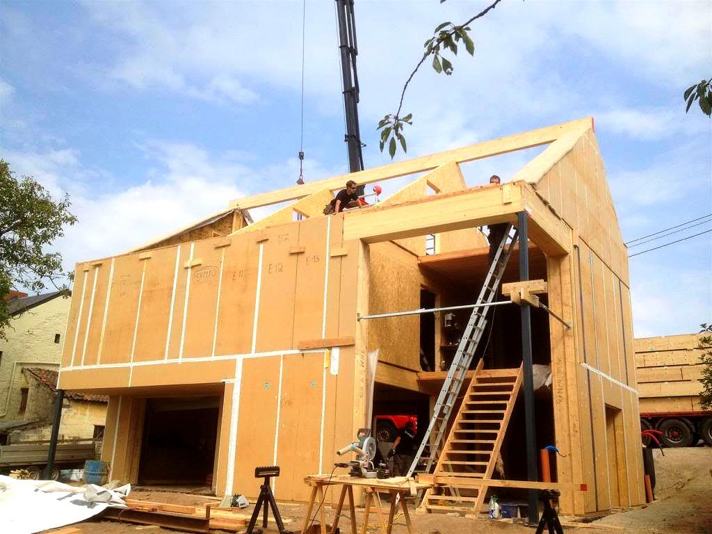 sombreffe maison ossature bois paille terre chantier 04. Black Bedroom Furniture Sets. Home Design Ideas