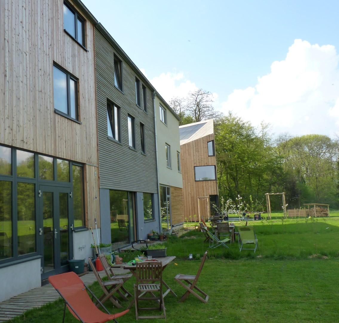 habitat group seucha paille tech pr fabriqu ossature bois enduit terre crue argile 1. Black Bedroom Furniture Sets. Home Design Ideas